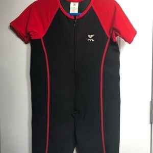 TYR, Thermal Suit, Kids size 7/8🏊🏼♂️🏊♀️